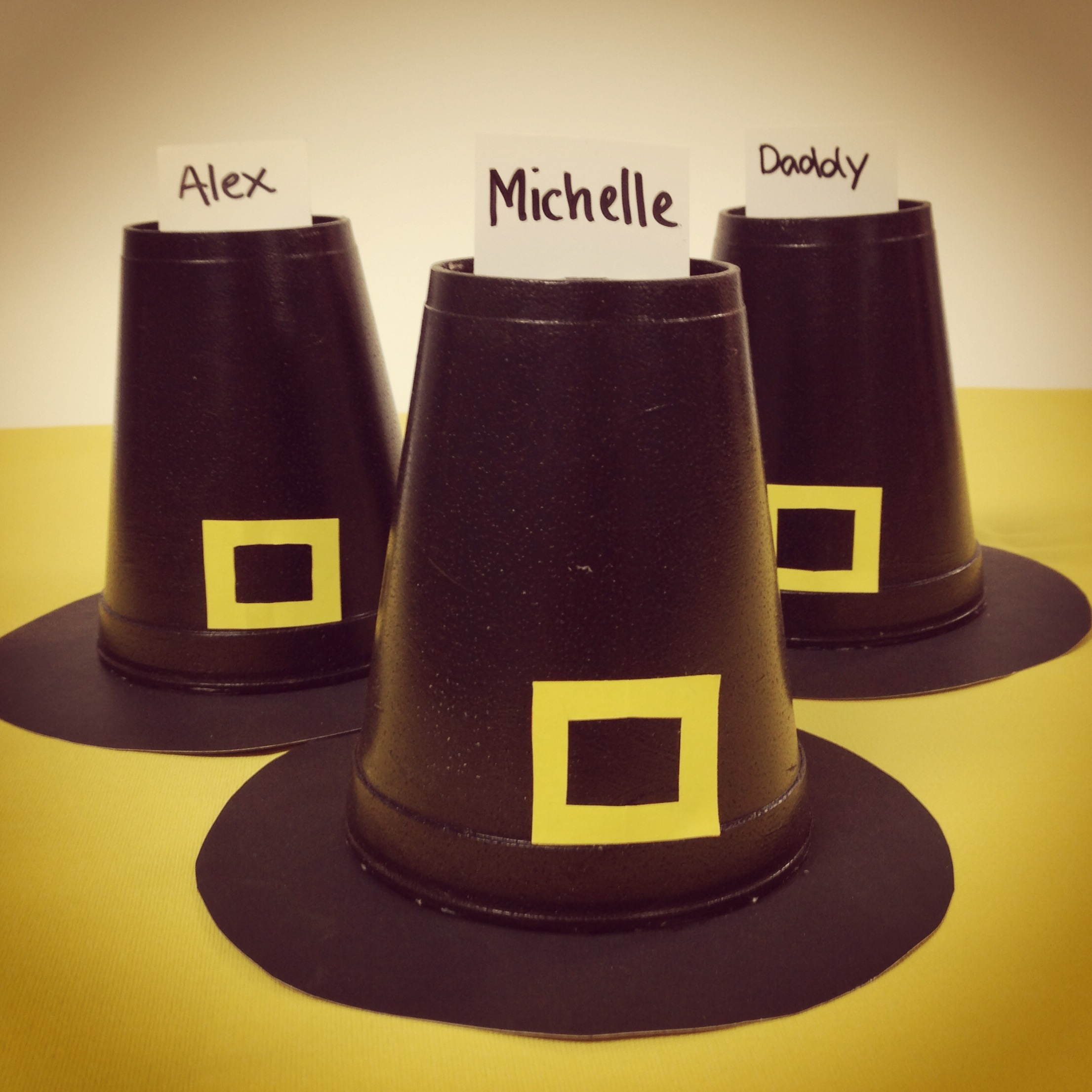 Thanksgiving craft for kids pilgrim hat place cards for Craft hats for kids