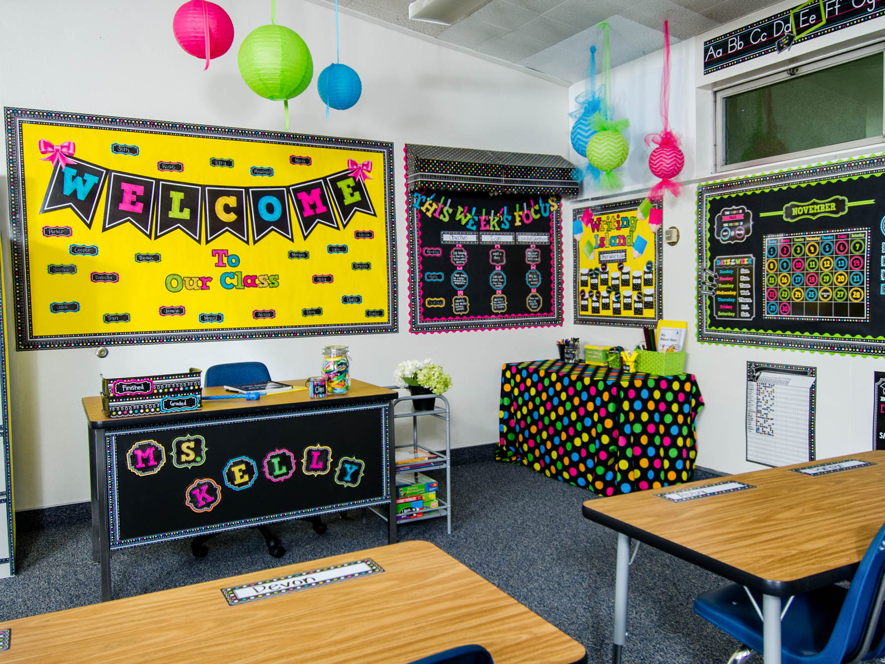 Chalkboard Brights Classroom Decorations Teacher Created Resources